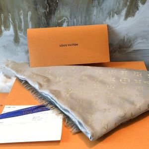 Louis Vuitton Gray Gold Shine Shawl Scarf NWT